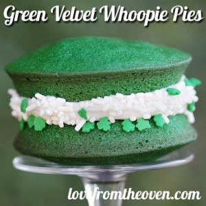 green velvet whoppie pies