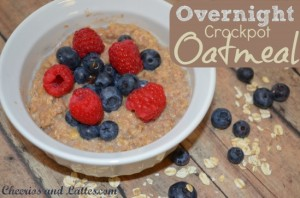 Overnight-Crockpot-Oatmeal-cheeriosandlattes.com_-549x364
